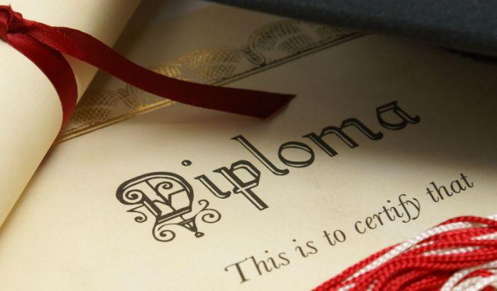Fakultetska diploma produžava život