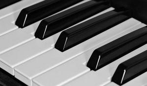 Ginisov rekord u najmnogoljudnijem sviranju klavira u Sarajevu