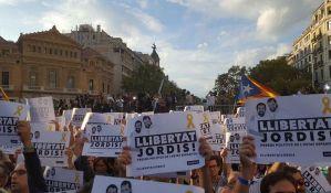 VIDEO: Katalonci: Mere su državni udar; Protest 450.000 građana u Barseloni