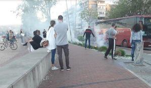 FOTO: Goreli polen i trava na keju, građani ugasili požar