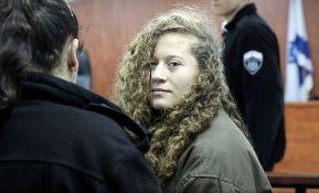 Palestinskoj tinejdžerki osam meseci zatvora zbog šamaranja izraelskog vojnika