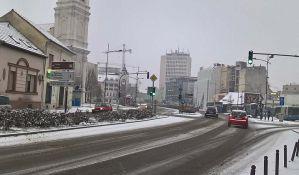 Upozorenje na nove snežne padavine i apel vozačima