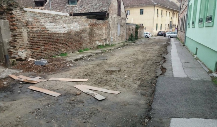 FOTO: Raskopane ulice u Podgrađu čekaju arheologe