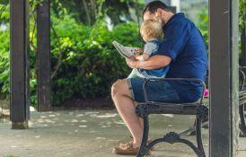 Zašto bebama treba čitati i pre nego što progovore