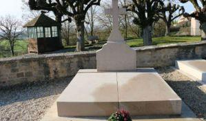 Oštećen grob Šarla de Gola na Dan otpora