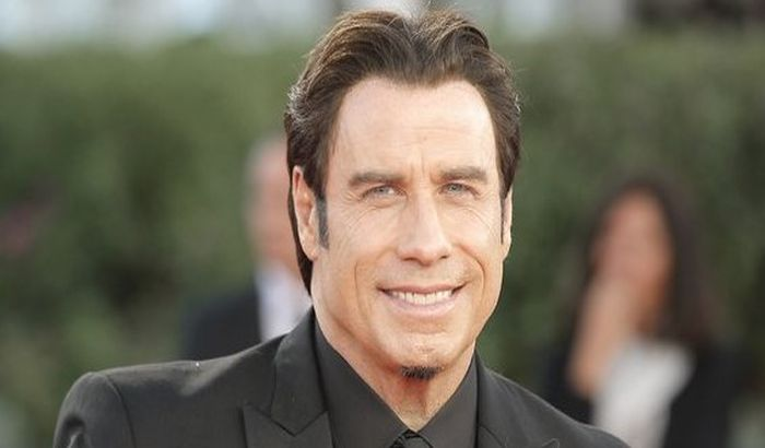 Travolta poklonio svoj