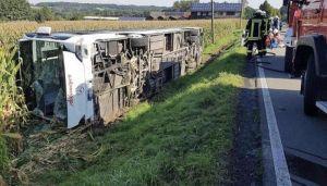 Autobus sleteo s puta u Nemačkoj, jedan putnik poginuo