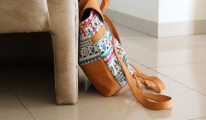 Raj za bakterije: ženske torbe, četkice za zube, peškiri