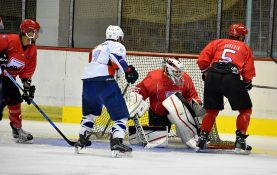 Dva dana hokeja na Spensu, Vojvodina dočekuje Bled
