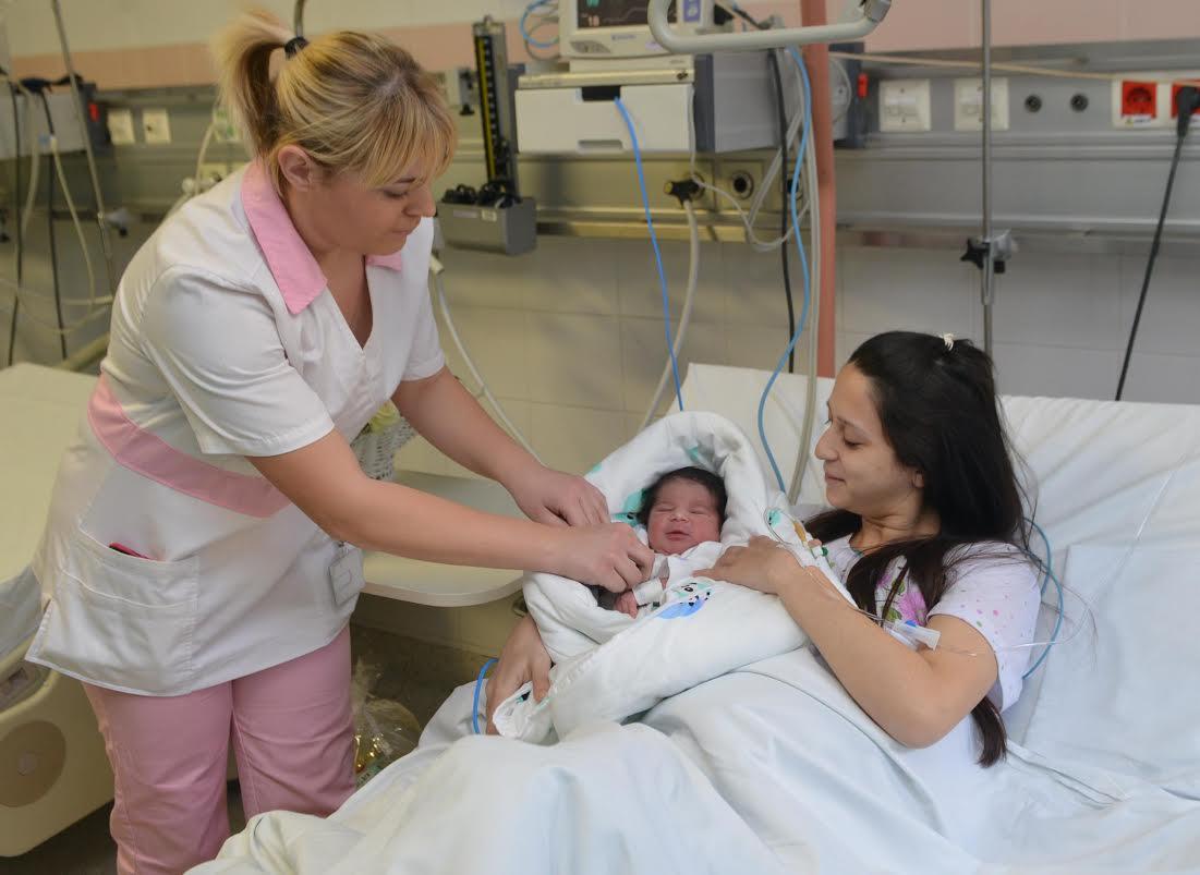 Prva beba u Betaniji rođena minut posle ponoći
