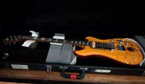 Gitara Džerija Garsije prodata za 1,9 miliona dolara