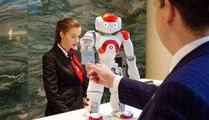 Sve više hotela ima robota-portira
