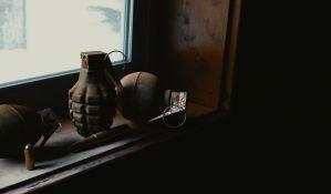 Ruma: Fizički i psihički mučio suprugu, policija mu oduzela 27 bombi i municiju