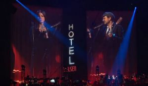 VIDEO: Muzičke zvezde i premijer Kanade na koncertu posvećenom Lenardu Koenu
