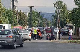 Mladić podleteo pod kamion na Čeneju, biciklista oboren u Vršačkoj