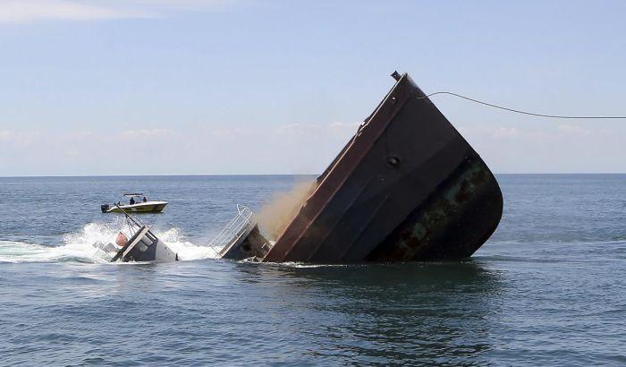 VIDEO: Namerno potopljen brod iz filma