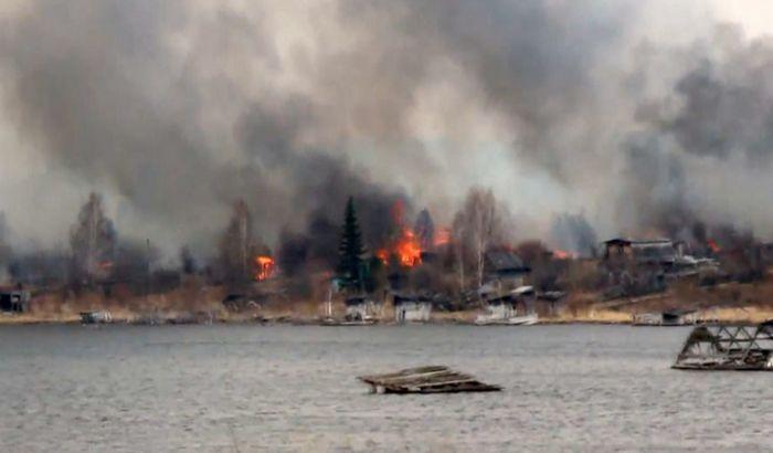 VIDEO: Spaljivali smeće, izgorelo celo selo