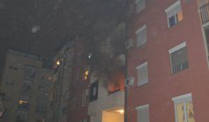 FOTO: Izgoreo stan na Grbavici