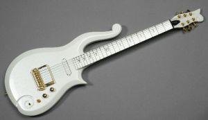 Prinsova gitara prodata za 700.000 dolara