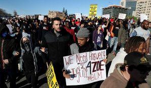 Protesti zbog ubistva nenaoružanog crnca u Sakramentu