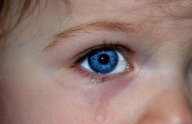 FOTO: Tužila vrtić jer su vaspitačice njenoj ćerki depilirale obrve
