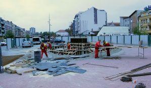 Počelo postavljanje spomenika kralju Petru I na Trgu republike