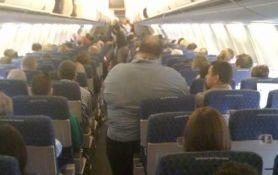 Većina ljudi misli da bi gojazni trebalo skuplje da plaćaju avionske karte