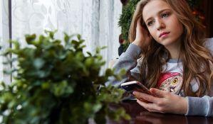 Deca koja u sobama imaju tablet i telefone manje spavaju