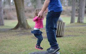 Savet oca za izlazak sa njegovim ćerkama hit na društvenim mrežama