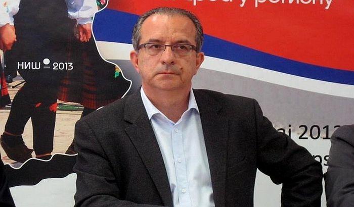 Bivši gradonačelnik Niša operisao bez licence