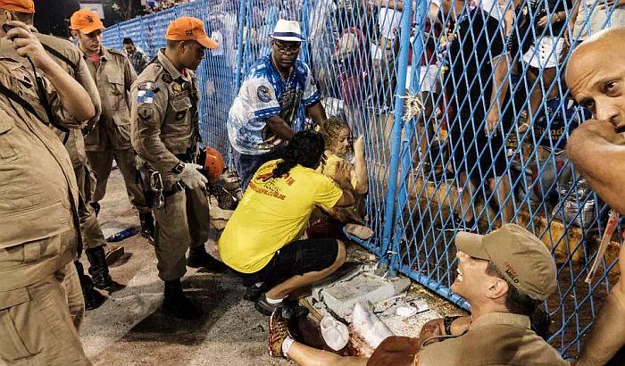 VIDEO: Karnevalska platforma uletela u publiku u Riju, 20 povređenih