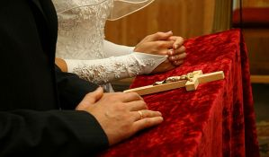 Srbi lažnim brakovima za 3.500 evra rešavali boravak u EU