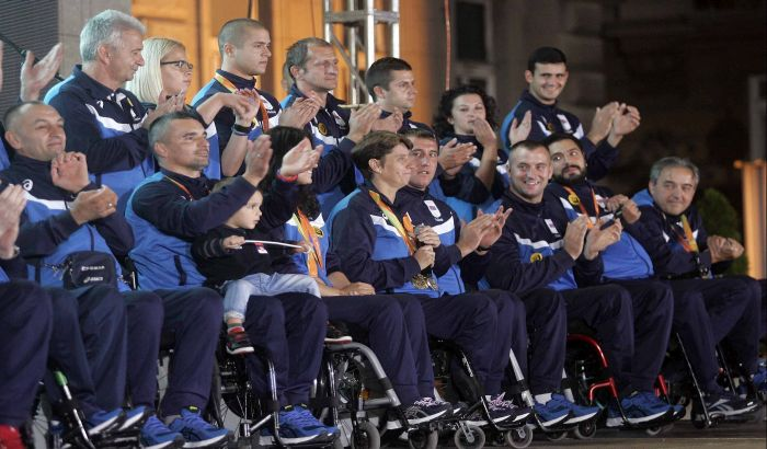 FOTO: Paraolimpijci dočekani u Beogradu