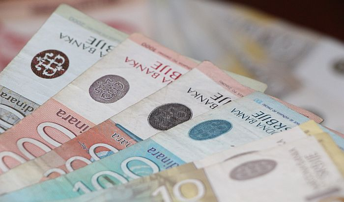 Odbor prihvatio povećanje plata poslanicima i predsedniku Srbije