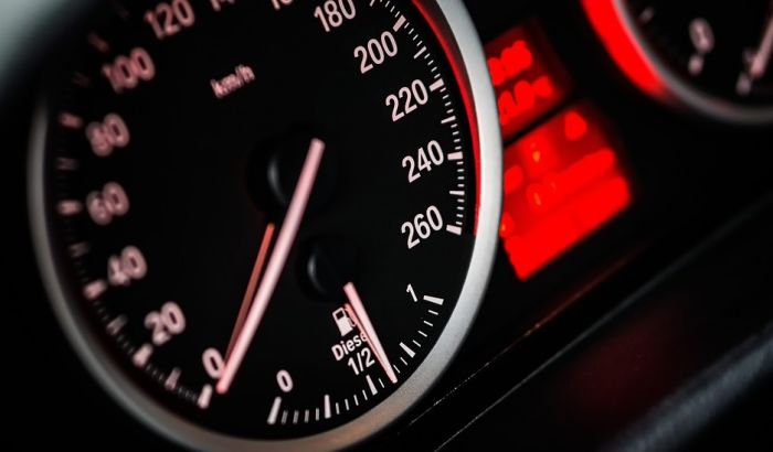 Za vozačе ispod 19 godina zabrana voženja od 23 do 6 časova