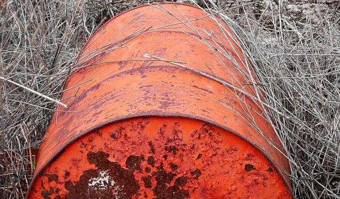 I otpad sa druge lokacije kod Obrenovca opasan