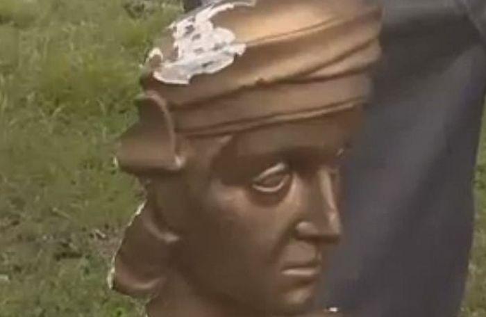 Bisti Kristifora Kolumba odsečena glava