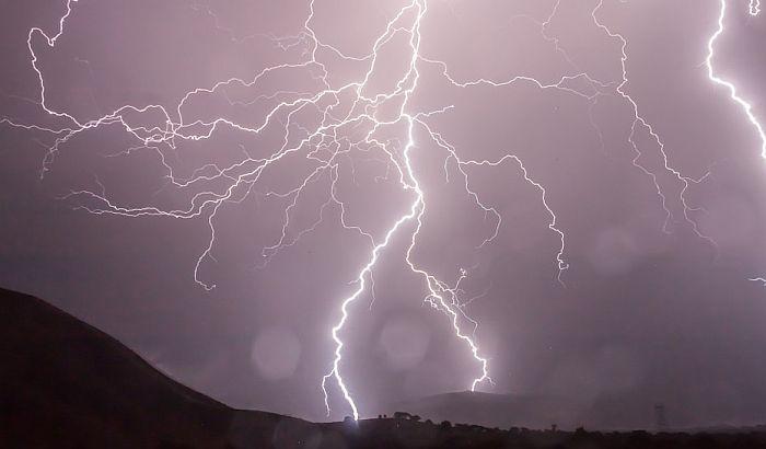 Sutra uveče moguća oluja sa grmljavinom i gradom