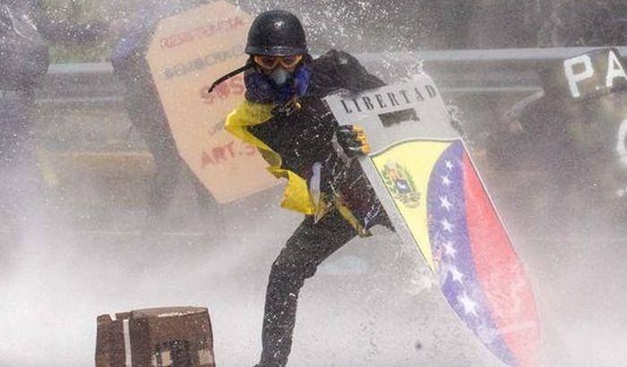 Tramp uvodi nove sankcije Venecueli