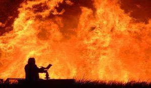 Požar u Rusiji uništio desetine kuća