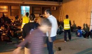 Izbeglice put ka Mađarskoj nastavile vozom iz Novog Sada
