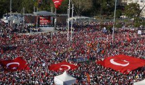 Hiljade na protestu u Istanbulu protiv vanrednog stanja