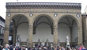 Turista urinirao po čuvenoj skulpturi iz 16. veka