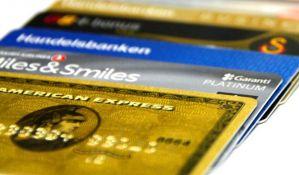 Oprez u inostranstvu, paprene provizije na kartice