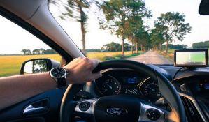 Vozače sve više ometa tehnologija za informisanje i zabavu u automobilu