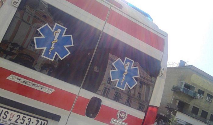 Povređeni motociklista i biciklistkinja