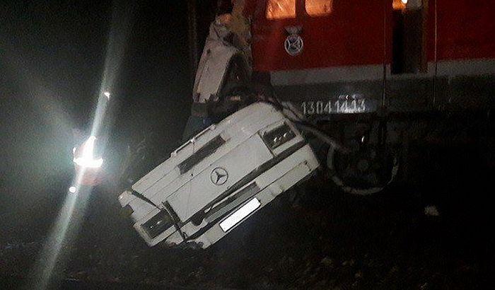 U sudaru voza i autobusa u Rusiji 19 poginulih