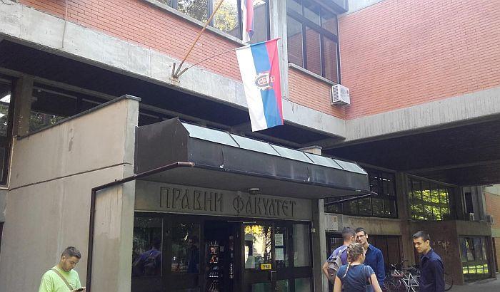 Tradicionalna zastava Vojvodine već na Pravnom fakultetu iako još nije usvojena