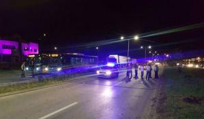 FOTO: Pokidani kablovi blokirali saobraćaj na Rumenačkom putu
