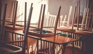Škole otpuštaju tetkice i domare
